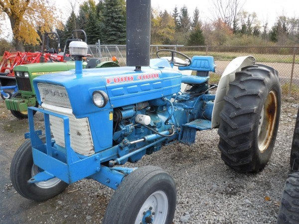 Ford 4000 Diesel Tractor : Hodges farm equipment